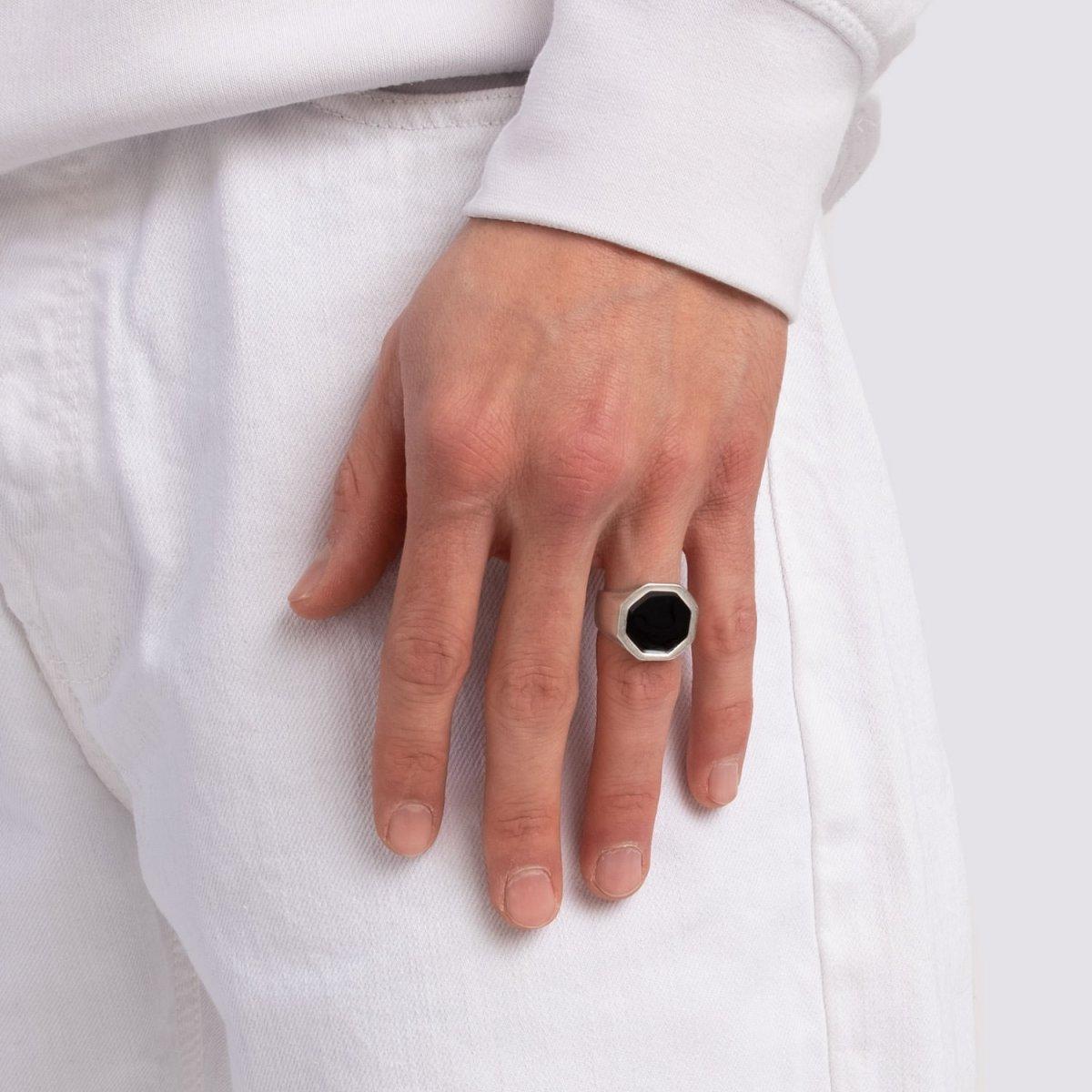 anello-argento-ottagonale-nero-fabbrica